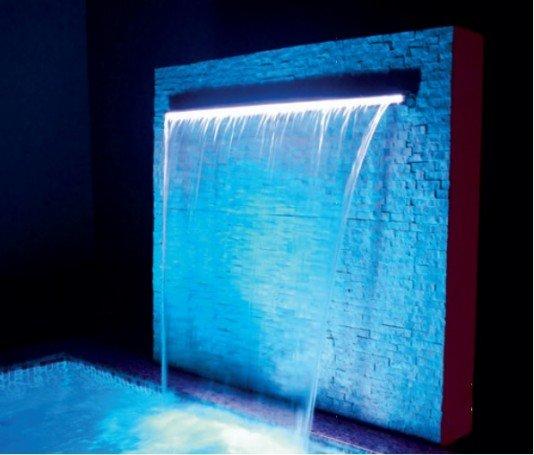 Cascata de Embutir com Led 180 cm e Lâmina Inox