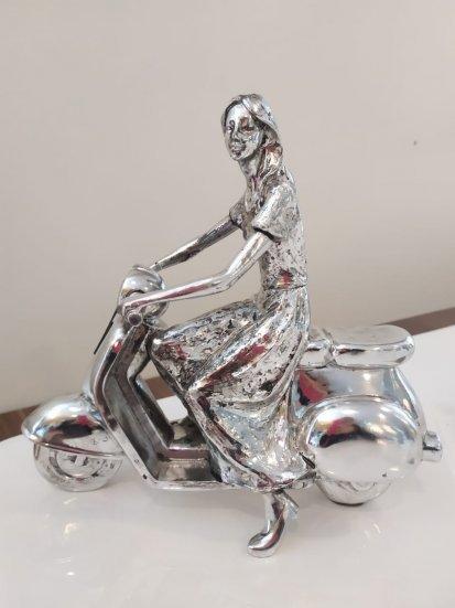 Escultura Motociclista Feminino