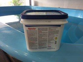 Cloro Granulado para piscinas Hipoclor Embalagem de 2,5 kg.