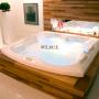 Spa Quadrado Confort em Acrílico Premium